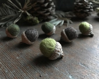 Felted wool acorns, set of 6, Colors of the Undergrowth, green felted acorns, brown felt acorns, woodland decor, forest wedding favor