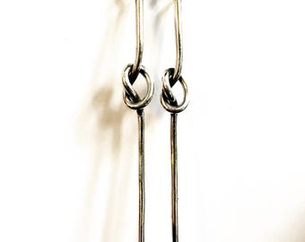 Knotty cuty sterling silver earring