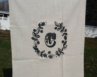 T Towel - Chalkboard Wreath with Letter Monogram - 25L X 19W, Linen