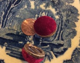 Red velvet earrings pierced vtg just like new Goldtone