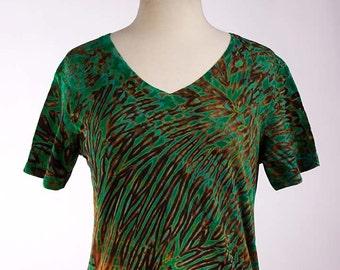 L Boho Tie Dye Women's T Shirt Shibori V-Neck - Jade Green 23