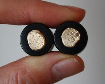 "9/16"" Ebony and 9k Gold Nugget Inlay Plugs"