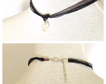 Goth Black Lace choker, Heart pendant, dainty, romantic, juvenile, item no. De426