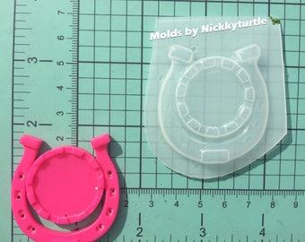 Lucky horseshoe inche cameo setting frame Flexible Plastic Resin Mold