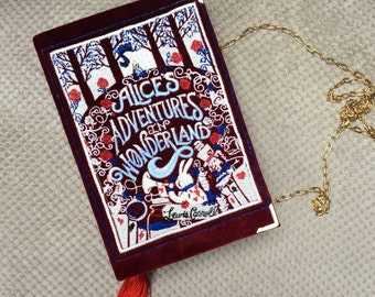 Book-clutch Alice in Wonderland