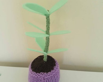 Knitted Mini Plant in Pot!