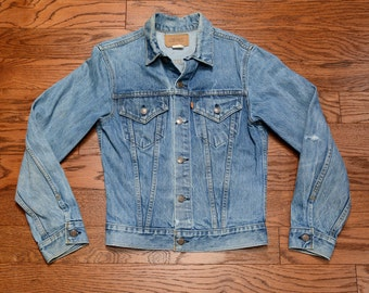 vintage 70s 80s Levis denim jacket medium wash Levi's jean jacket orange tab distressed denim XS small youth 20 slimfit