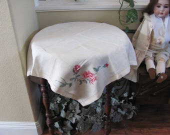 """Table Linens Vintage Handmade Embroidered Linen Cotton Tablecloth - 33"""" Square (#128)"""