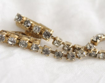 Vintage Gold Rhinestone Sweater Clip . Unsigned