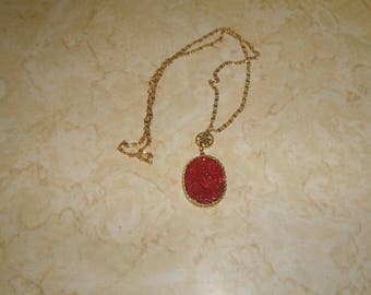 vintage necklace goldtone chain carved red oriental flowers lucite