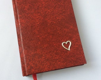 Handmade Valentine's notebook - A6 notebook - Blank journal - Unlined pages - Red notebook - Heart motif - Sketchbook