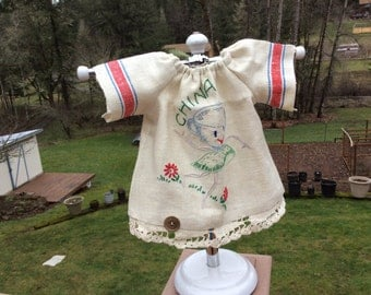 """Linen dress made from vintage kitchen towel, Waldorf doll clothes, 16-18"""""""
