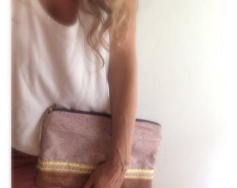 Vintage & upcycled clutch