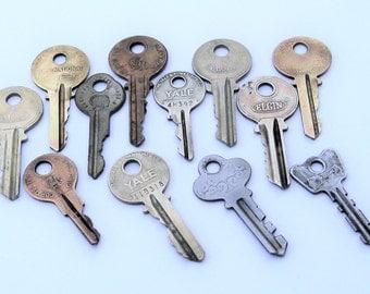 Vintage Keys: 12 Vintage Keys For Your Next Project