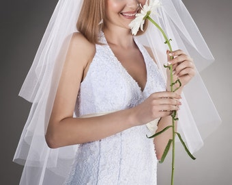 Bridal Veil Half-Circle Cut Wrist Length Model Daisy