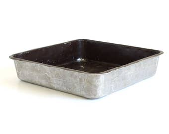 West Bend Cake Pan Cat. No. 4245 9 x 9 x 2 Inches, Brown Non-stick Aluminum, Made in USA (as-is)