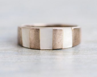 Mother of Pearl Sterling Silver Vintage Ring - Size 6.5