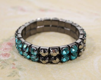 Pretty Smokey and Teal Blue Stretch Plastic Crystal Look Bracelet