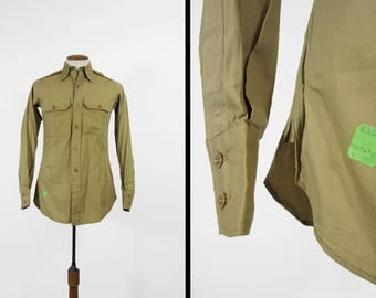 Vintage 1940s US Army Shirt NOS Military Gusseted Button Up Lightweight Poplin - Size Small