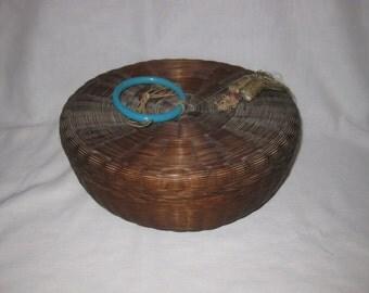"""Wonderful Vintage 10"""" Sewing Basket"""