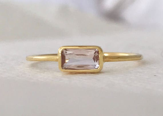 Untreated morganite pink emerald and solid 18k gold ring