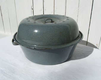 "Vintage 12"" Round Gray Graniteware Covered Roast Pot Pan with Deep Lid Set Raised Rings in Bottom"