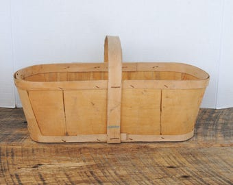 Vintage Produce Basket Wood Bottom Base 6 Quarts - Pintes House Family Farm Jordan Sta. Ontario