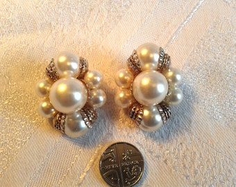 Vintage Pair of Huge Pearl and Gold Tone Clip On Earrings. 50s, 60s.