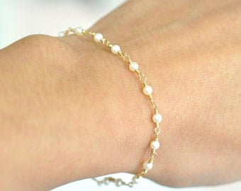 14K Gold. Freshwater Pearl Bracelet in 14KYG , Delicate Gold Bracelet, June Birthstone Jewelry, Holiday Gift for Her, Weddings,