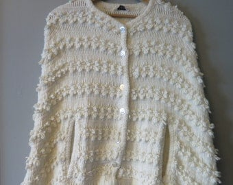Vintage Dotty Mann Embroidered Button Up Knit White Cape Shawl With Fringe Sz OSFM
