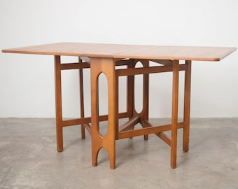 Mid Century Modern Dining Table with Leaves