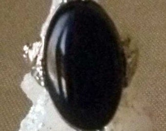 Elegant Vintage Onyx and Sterling Silver Ring - Size 5