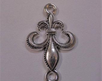 34mm Fleur De Lis Silver charms Y39