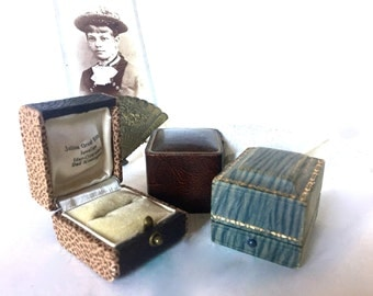 Antique jewelry Box display / container / ring box