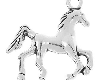 5 Zinc Metal Alloy HORSE CHARMS, PENDANTS Antique Silver 22mm x 22mm