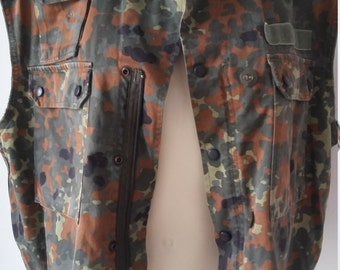 Vintage camo desert, fly fishing, duck hunting, military vest, cotton lined, rare