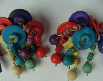 STATEMENT CLIP EARRINGS wooden beads 1980's 80's parrot