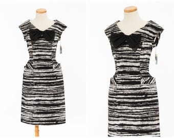 Vintage Graphic Stripe Dress // 1950s 60s Deadstock FUN Black White Dress With Pockets Bow Large