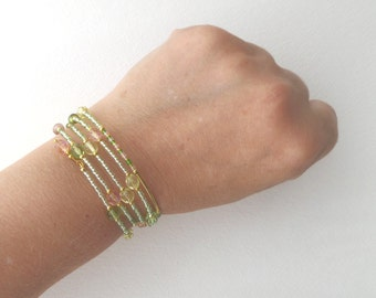 Yellow Gold Bracelet, Green & Melon Bangle - Glass Beaded Gold Bracelet - Lime, Peach, Gold Memory Wire Wrap