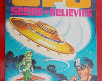 UFO Coloring Book Whitman Books Great Space Age Art Just needs Some Color Sci Fi Flying Saucers Space Men Atomic Age