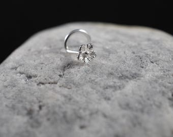 Tiny Sterling silver flower nose screw /nose stud/nose ring