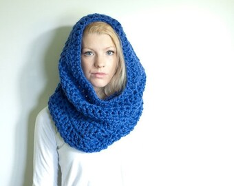 WINTER SALE the CHEROKEE cowl - chunky cowl scarf hood circle scarf - royal blue - slightly ribbed
