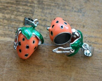 1 - Strawberry Capsule Enamel Silver Brass Vintage Style Pendant Charm Jewelry Supplies Fruit Locket (AR072)