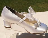 Girls Communion Shoes beaded Flowers appliques, white ivory plus more colors shoes - flower girls shoes, low heel, Pageant Wear, First Dance