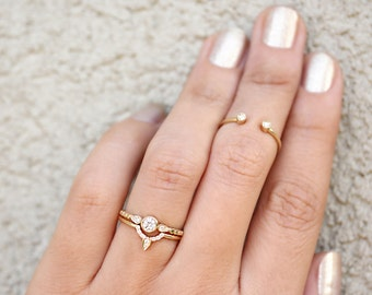 Unique Gold Diamond Wedding Ring, Solitaire Ring Gold Side Band, Thin Gold Band, Thin Diamond Band, Delicate Side Ring