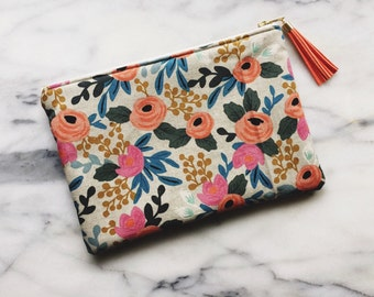 Clutch - Linen Canvas Pouch with Tassel - Light Floral