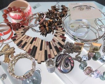 Mixed Lot (jlot5) ~ WEARABLE COSTUME JEWELRY ~ Mixed Metals / Stones