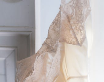 1940s PURE SILK Vintage Slip. Silk Ruffle Lace Trim - LOESERS Fischers. 34 inch Bust Small 40s Silk Lingerie - Cream Ivory Lingerie Slip