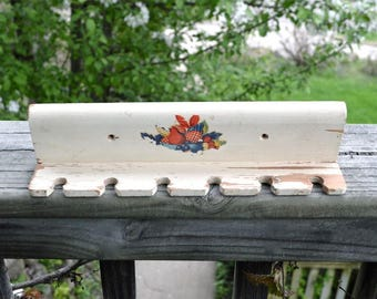 Hanging Wooden Kitchen Tool Holder with Colorful Design Vintage 1940s