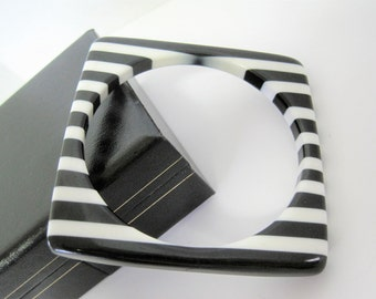 Black and White Square Bangle - Lucite Striped - Retro Groovy Bracelet
